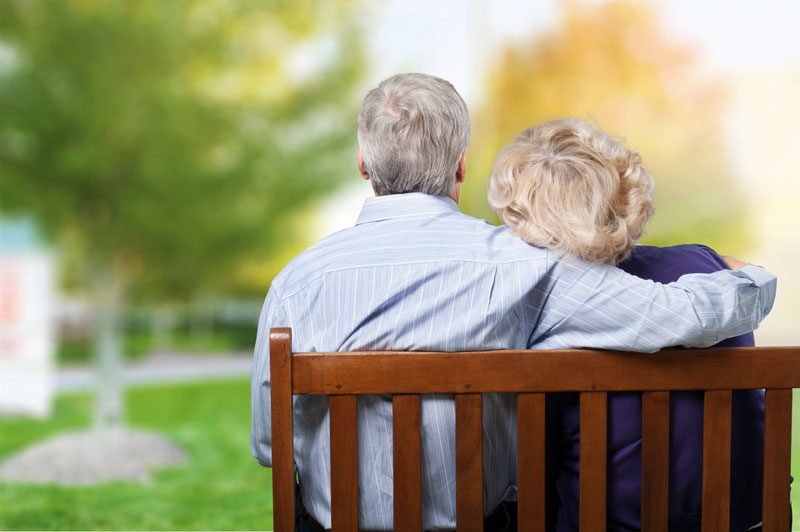elderly-senior-life-insurance-couple